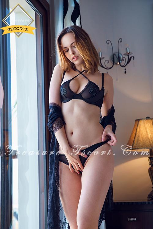 Armpit sex escorts in Paris